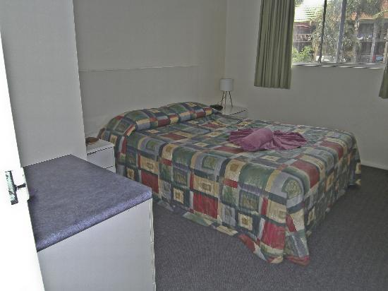 Beachpark Apartments Coffs Harbour: Bedroom unit 17