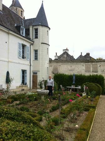 "La Maison de l'Argentier du Roy: The Garden is lovely..behind the ""chateau"""