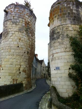 La Maison de l'Argentier du Roy: The gate and beginning of rue Saint Ours