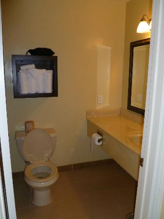 The Morgan at San Simeon - A Broughton Hotel: Bathroom