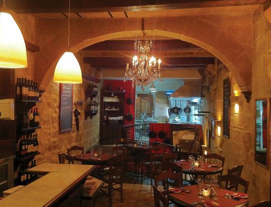Papannis Italian Restaurant: papannis upper floor