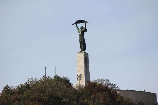 Gellert ås og statue: Gellert Hill