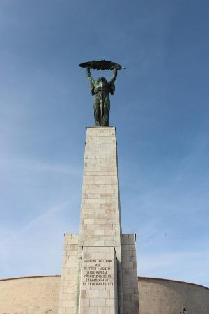 Gellert ås og statue: Gellert Hill statue