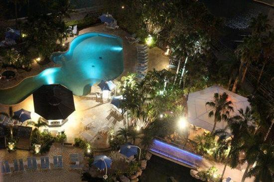 Surfers Paradise Marriott Resort & Spa: midnight at the oasis !