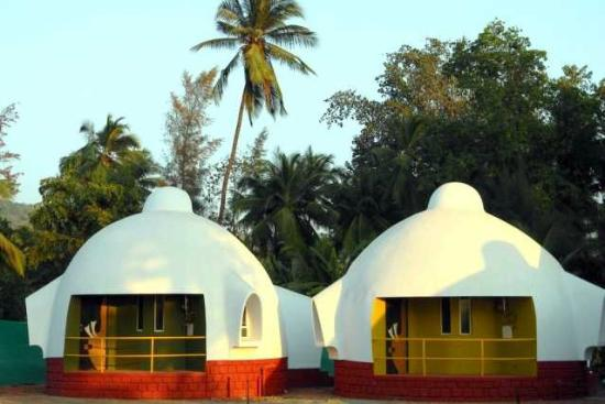 Beach resort igloo house updated 2017 ranch reviews - Dapoli beach resorts with swimming pool ...