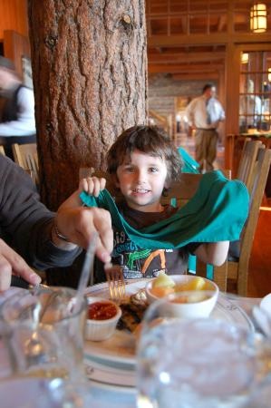 crater lake lodge dining room - yummy chicken breast! - picture of