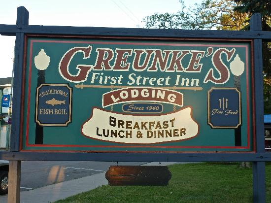 Greunke's First Street Inn: Sign