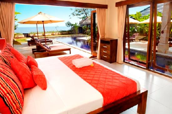 The Lovina: Grand beach Villa bedroom