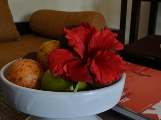 Bebek Tepi Sawah Villas & Spa: Welcome Fruits Platter