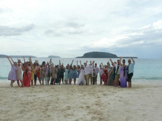Village de Santo Resort: The extremely happy couple and guests at Champagne Beach