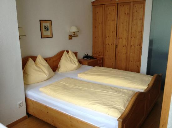 Hotel Weisses Kreuz: Bed