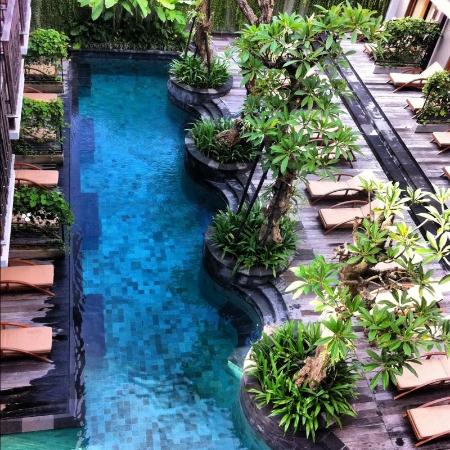 The Oasis Lagoon Sanur: One section of the pool