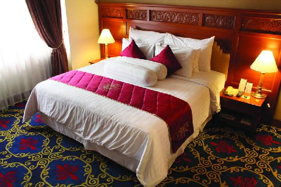 The Sunan Hotel Solo: Bedroom (Twin Bed)