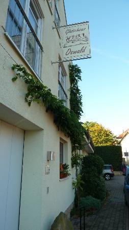 Gaesthaus Oswald : Paradies für Riesenpudel - Zumutung für Gäste