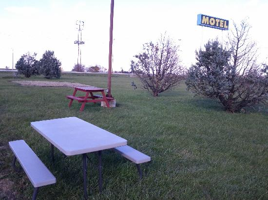 Paxton, IL: Picnic area and play ground