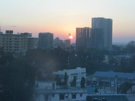Holiday Inn Dar Es Salaam City Centre: sunset from window