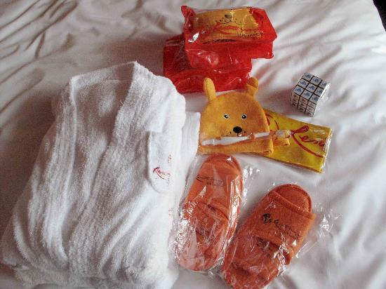 Resorts World Sentosa - Festive Hotel: welcome kits for children