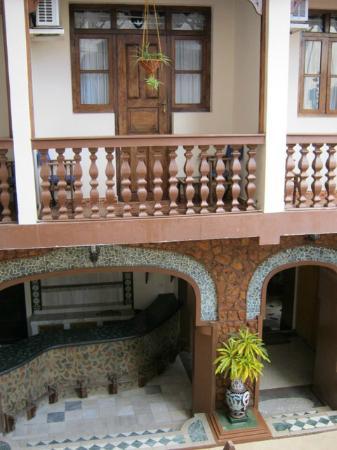 Chavda Hotel Ltd: Inside courtyard