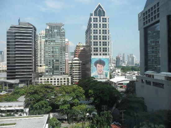 Metropolitan by COMO, Bangkok: A view over Sathron Road