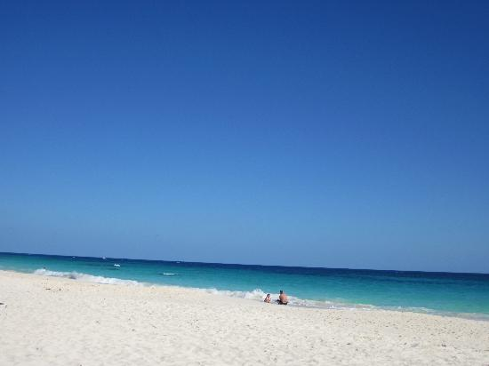 Elbow Beach, Bermuda: the view from our beachside service