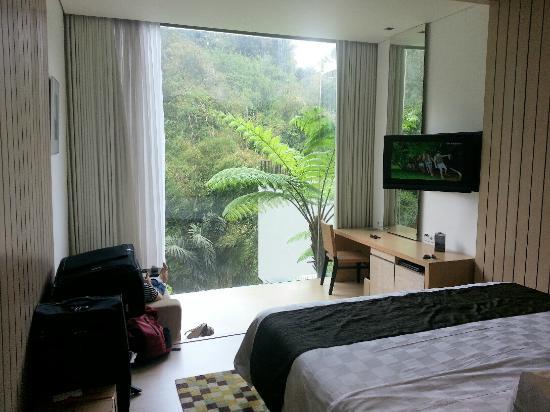 Padma Hotel Bandung: My Room