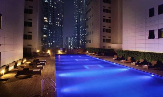 The Classic 500 Executive Residence Pentaz: Sky Pool