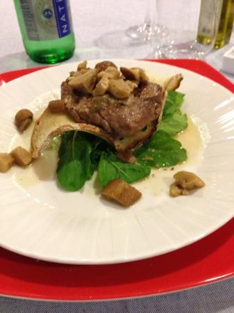 Don Guglielmo : filetto ai funghi servito a cena