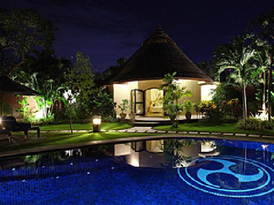 The Dusun: Three bedroom villa - evening