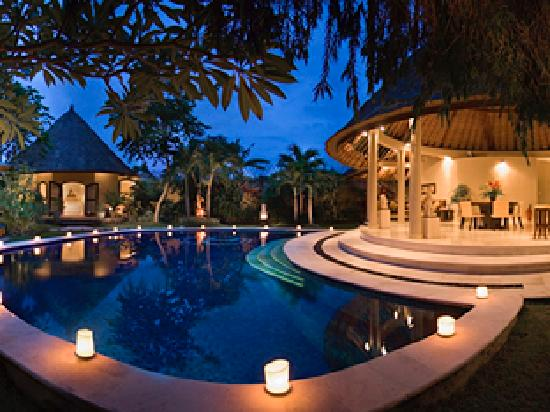 ‪‪Dusun Villas Bali‬: Three bedroom villa - evening‬