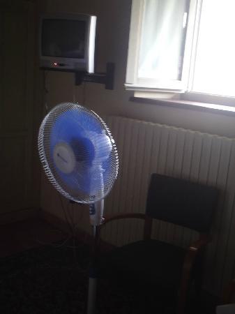 Hotel San Carlo Borromeo: almeno c'era un ventilatore...