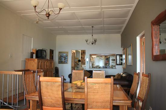 Bluegum Hill Guest House and Apartments: Dining area
