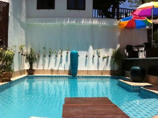Aminjirah Resort: children pool