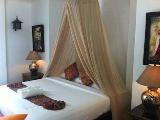 Aminjirah Resort: our seaview room - vry romantic