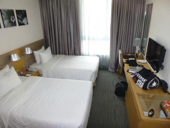Liberty Central Saigon Centre Hotel: Room - twin beds were big and very comfortable