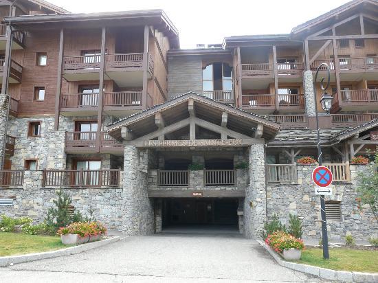 Residence CGH Les Fermes de Sainte Foy: Entrée principale des chalets