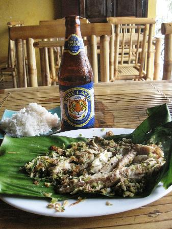 Hong Phuc: Fish in Banana Leaf