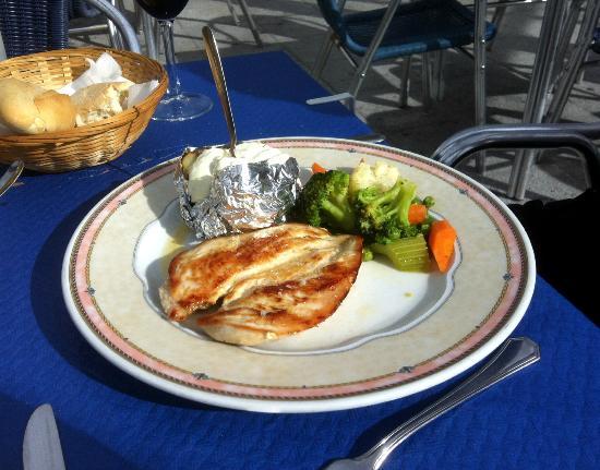 Bar Virtudes: Grilled chicken breast