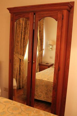 Hotel Cortina: My room (№2)