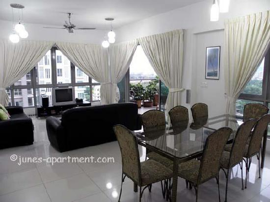 Junes Apartments: getlstd_property_photo