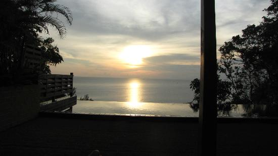 Ayara Kamala Resort & Spa: Grand Pool Villa Ocean View, Sunset view from private pool