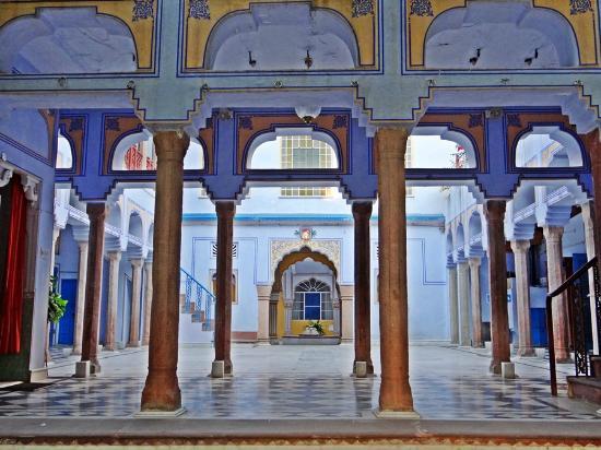 Diggi Palace: Courtyard