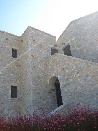 Castello Antico Beach Hotel: πετρα παντου