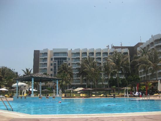 King Fahd Palace : panorama piscina struttura
