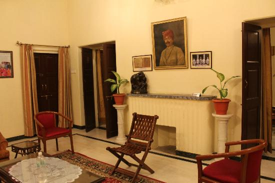 Devi Niketan Heritage Hotel: common area
