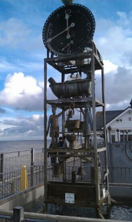 Southwold, UK: Water clock on the pier.