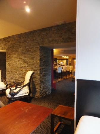 The Dumbuck House Hotel: Bar