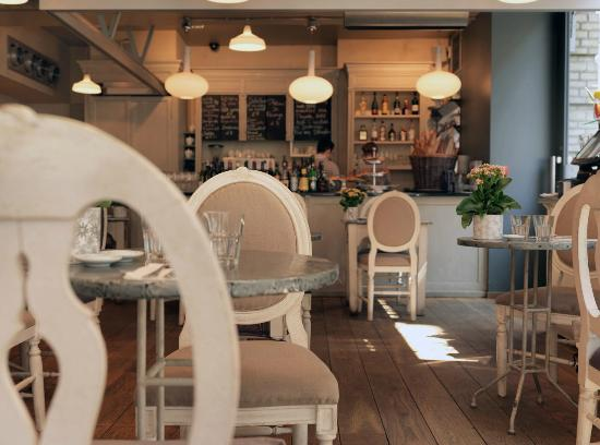 Aubaine: Restaurant interior