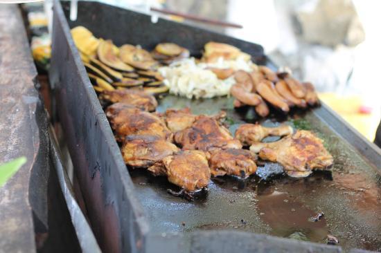 Teking Lagoon Cruises: BBQ island feast