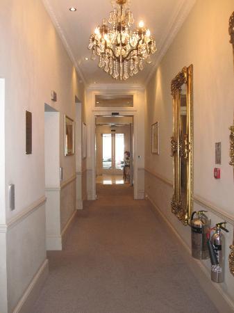 Park International Hotel: couloir entrée