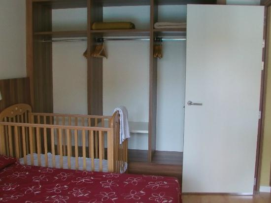 Family Life Avenida Suites: Bedroom in Suite